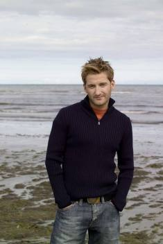 Pual Byrom...possible look-a-like for Dean O'Gorman??