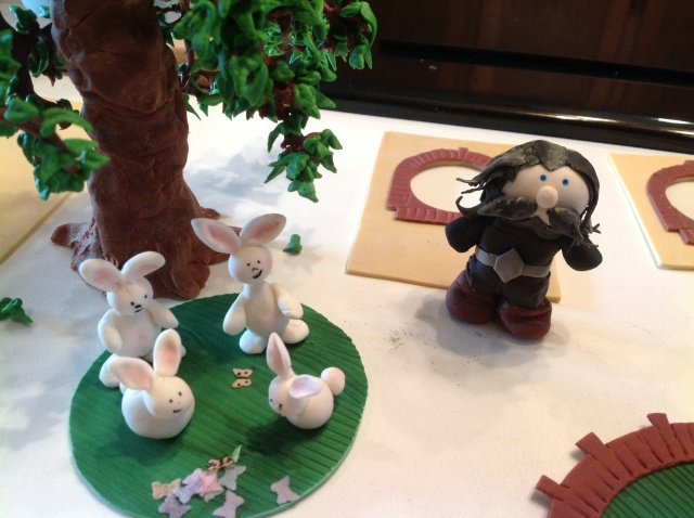 Hobbit cake parts Thorin rabbits