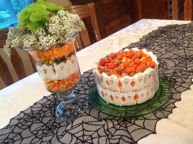 Halloween Ghost Cake and flower vase