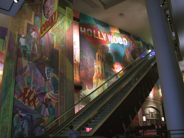 Loews escalator]