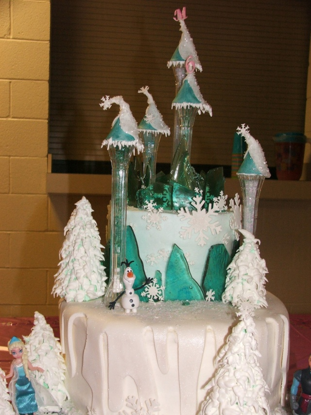 The finished product...a Frozen cake that is NOT frozen!