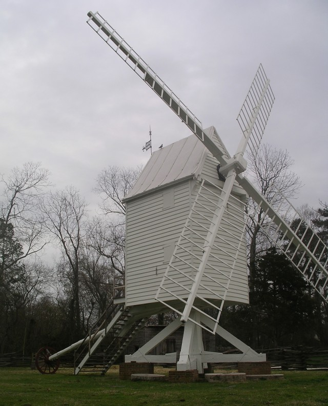 I adore this windmill!!!  I really wanted to get close but it was under renovation.