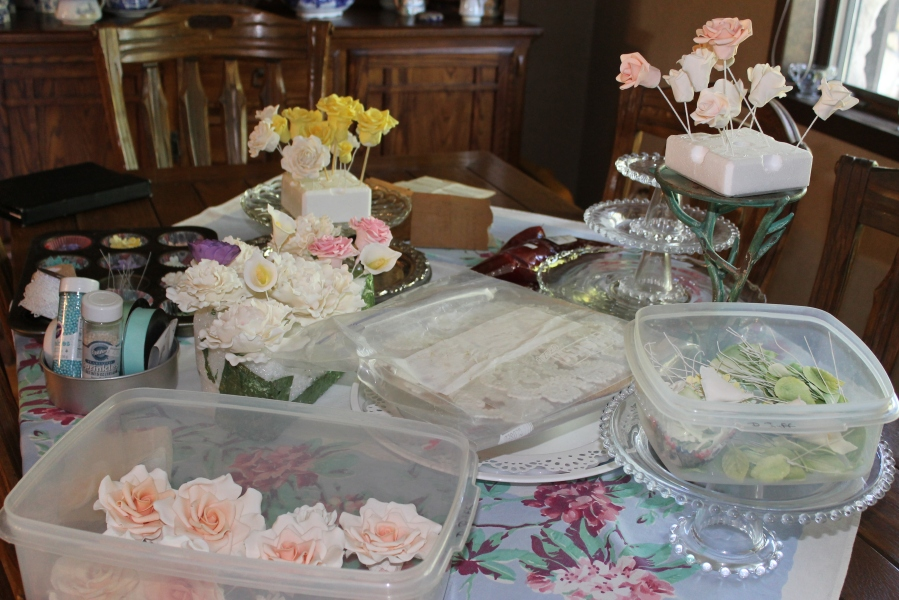 packing gumpaste flowers for travel