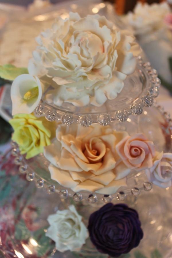 gumpaste flowers for wedding cake