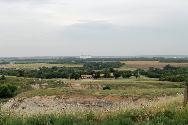 farm house, grain elevator, valley, farm
