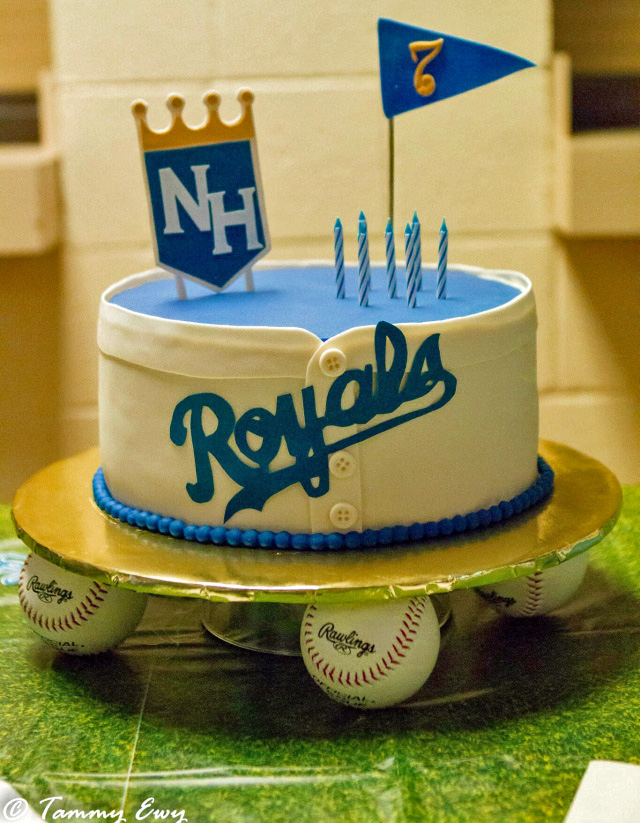 baseball theme cake, Kansas City Royals, baseball shirt