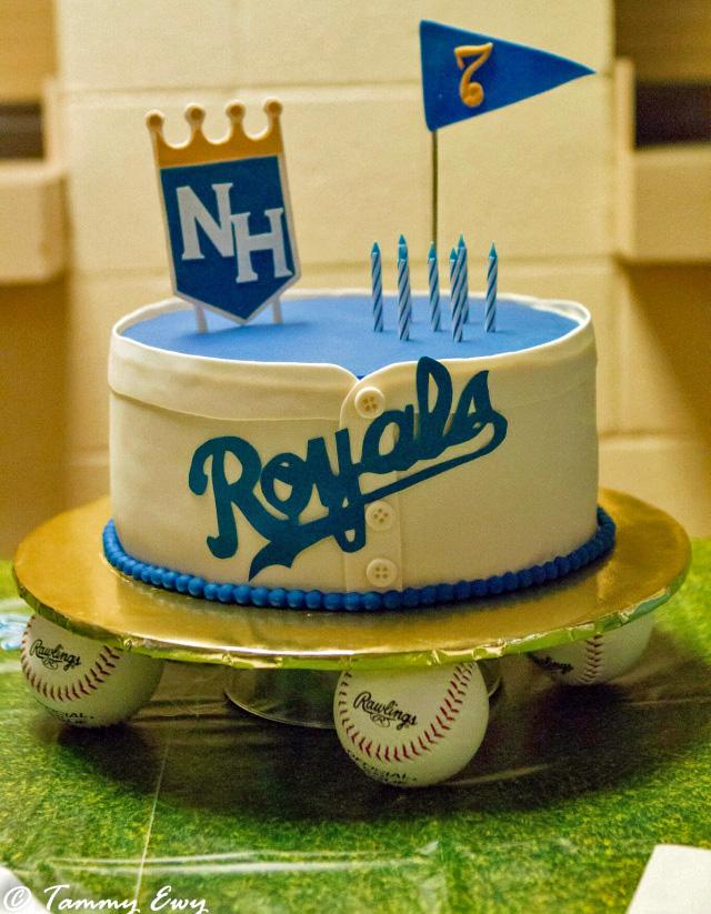 baseball theme cake, Kansas City Royals, baseball shirt