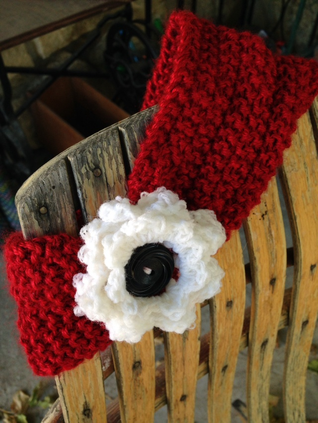 knitted earwarmer with flower