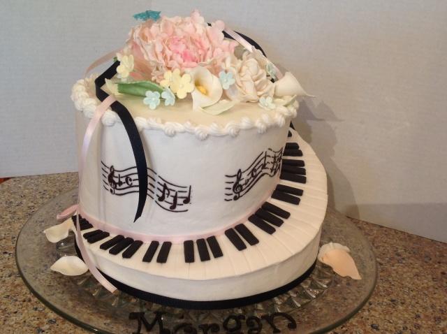 piano key musical staff cake