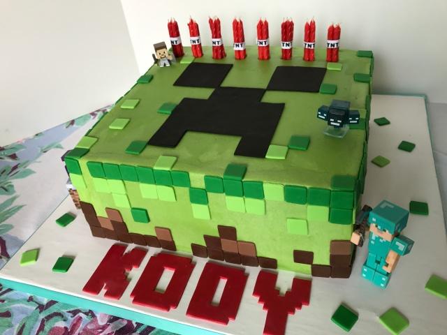 Minecraft birthday cake Creeper